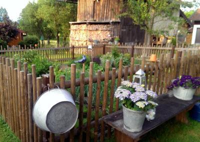 Der Kräutergarten vor dem Haus | FeWo Schartner Eggstätt