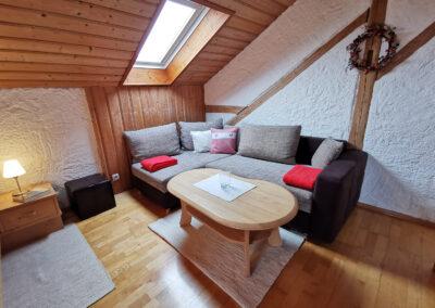 Schlafzimmer 2 mit Sitzecke   FeWo Schartner Eggstätt