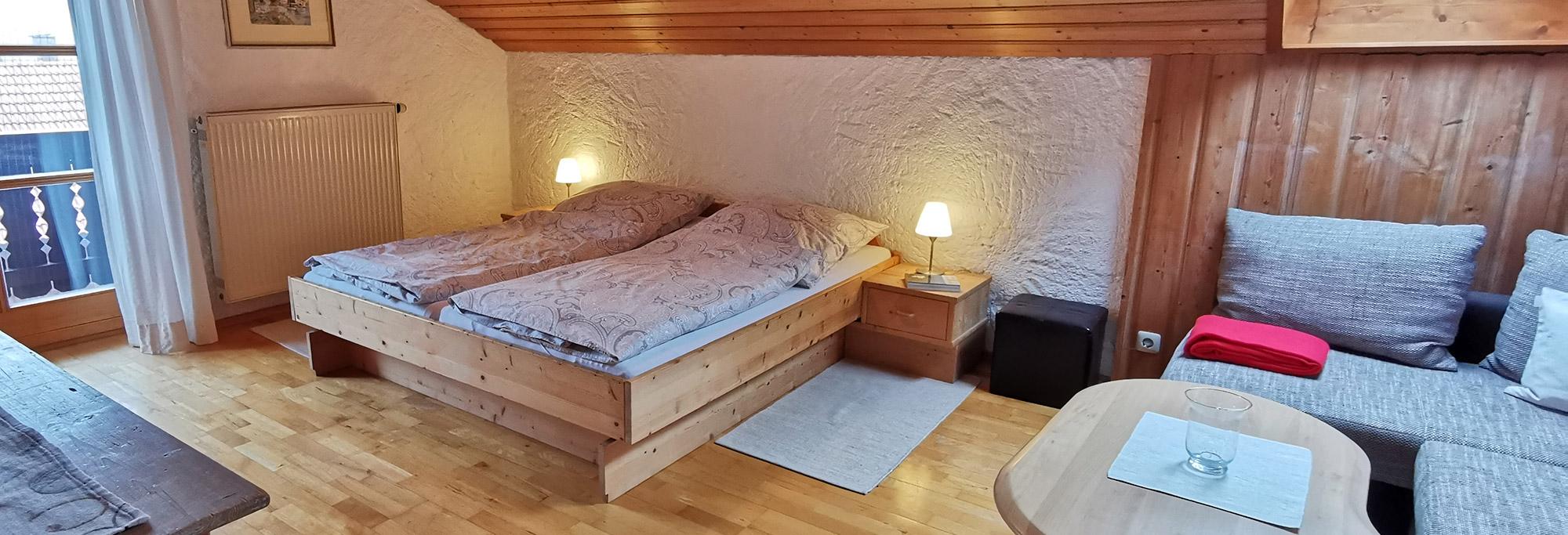 Schlafzimmer 02   Ferienwohnung Monika Schartner in Meisham bei Eggstätt