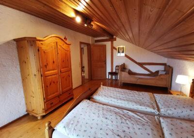 Schlafzimmer 1   FeWo Schartner Eggstätt